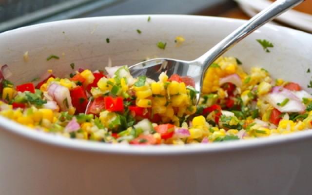 Salsa salat með maís