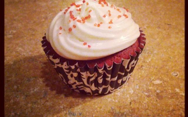 Rauðar flauelsbollakökur (Red velvet cupcakes)