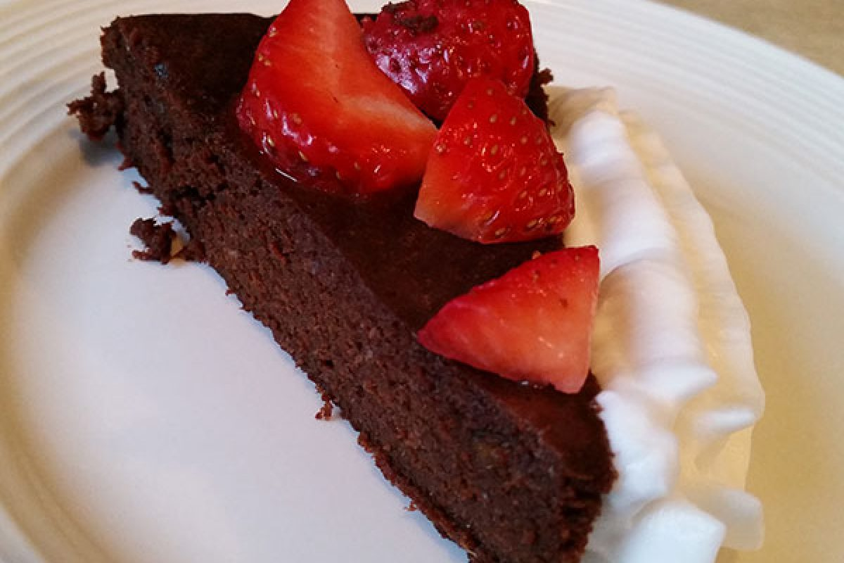French chocolate cake with dates
